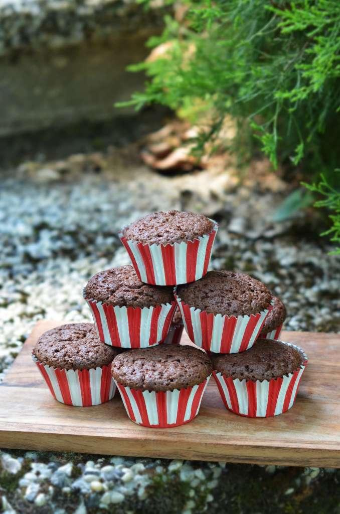 kakaós-meggyes muffin recept - óvodai ballagási cupcake